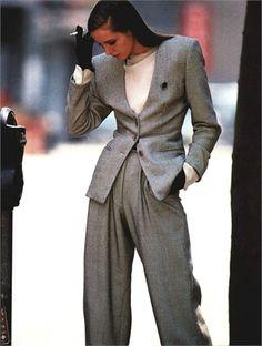 Ogni giorno Vogue Italia seleziona per te il meglio della moda italiana e internazionale, i nuovi trend e le news più interessanti. Look Fashion, Runway Fashion, High Fashion, Womens Fashion, Fashion Design, 1987 Fashion, Fashion Trends, Looks Style, Looks Cool