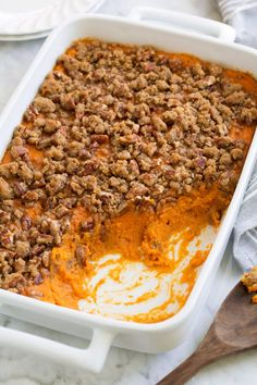 Sweet Potato Casserole with Cinnamon Pecan Topping: BEST Sweet Potato Casserole recipe! This has just the right amount of sweetness, an irresistible buttery flavor, and a crisp cinnamon pecan crumble on top. Good Sweet Potato Recipe, Best Sweet Potato Casserole, Sweet Potato Souffle, Sweet Potato Recipes, Sweet Potato Recipe With Orange Juice, Sweet Potato With Pecans, Sweet Potato Mash, Hashbrown Casserole, Yam Casserole