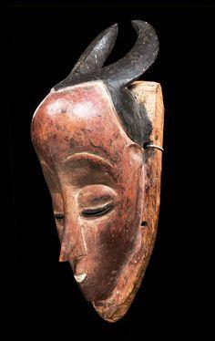 GURO MASKE Elfenbeinküste. H 35.5 cm. African Masks, African Art, Liberia, Masks Art, Ivory Coast, Sierra Leone, Cartography, Tribal Art, Facades
