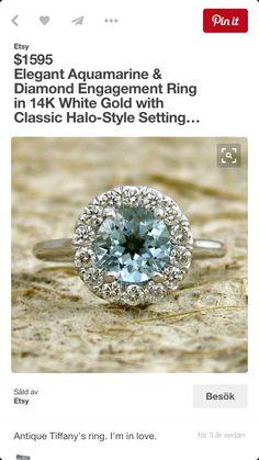 Vacker ring rund sten blå