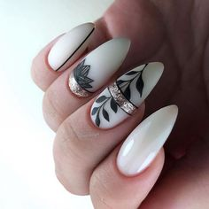 Beautiful white nails with black and silver leaf nail art design. Cute Acrylic Nails, Acrylic Nail Designs, Cute Nails, Pretty Nails, Pastel Nails, Gelish Nails, Nail Manicure, Nail Polish, Gel Nail