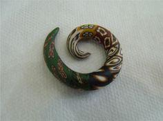 Alagador Verde e Marrom  Feito em cerâmica plástica Produto artesanal   www.airu.com.br/loja/dixiearte