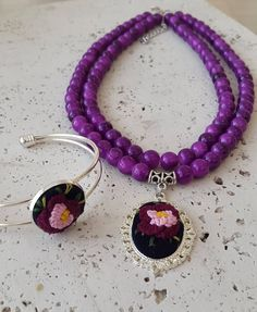 Purple embroidery necklace and cuff. Flower jewerly. Embroidery jewerly. Brazilian embroidery. Handcrafted jewerly by RENKAhandmade on Etsy