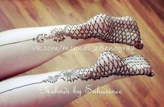 Mehndi Designs On The Soles Of Your Feet - Indian Fashion Ideas Indian Henna Designs, Mehndi Designs 2018, Bridal Mehndi Designs, Mehndi Designs For Hands, Henna Tattoo Designs, Bridal Henna, Hena Tattoo, Henna Mehndi, Henna Feet