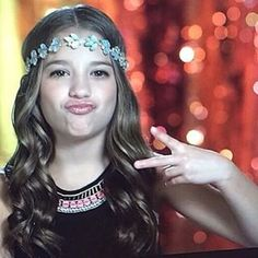 Hey guys! My name is Mackenzie and I'm 11 and single! Maddie is my sister btw! We are both obsessed with dance and we are on the show dance moms! Introduce?