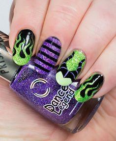 Diseño de uñas para halloween de Maléfica