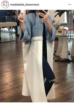 Hijab Fashion Summer, Street Hijab Fashion, Modest Fashion, Fashion Dresses, Iranian Women Fashion, Arab Fashion, Muslim Fashion, Fashion 1920s, Mode Kimono