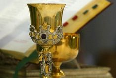Επιτρέπεται η Θεία Κοινωνία χωρίς νηστεία; Orthodox Icons, Ginger Jars, Dear God, Ancient Greece, Christian Faith, Christianity, Prayers, Religion, Greek