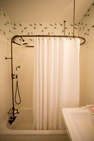 A small, square tub is the perfect solution for teeny-tiny bathrooms. Stick to a monochrome colour palette to open up the space and add interest with some fabulous wallpaper Small Room Decor, Small Rooms, Small Spaces, Tiny Bathrooms, Small Bathroom, Bird Bathroom, Small Tub, Master Bathroom, Traditional Shower Curtains