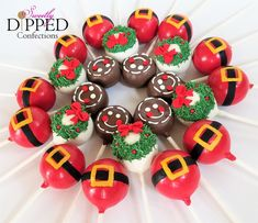 Custom Cake Pops & Chocolate Dipped Desserts - Proudly Serving the Tampa Bay Area and Beyond. Christmas Cake Pops, Christmas Chocolate, Christmas Desserts, Christmas Treats, Christmas Baking, Mini Desserts, Cake Pop Designs, Ice Cream Pops, Dessert Decoration