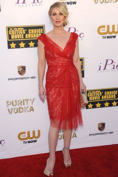 Critics' Choice Awards 2014 | Christina Applegate teamed a Marchesa dress with Neil Lane jewellery, Christian Louboutin heels and an Edie Parker clutch.