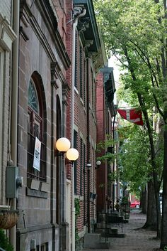 Pittsburgh's Mexican War Streets are tree-lined, brick sidewalk avenues lined with lovingly restored row houses