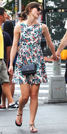 Pretty floral feminine dress Keira Knightley!