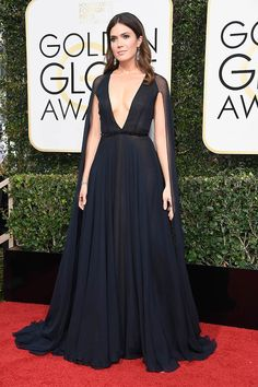 Mandy Moore in Naeem Khan attends the Golden Globes Awards  2017