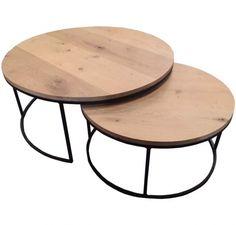 Prachtige set uitschuifbare salontafels. Het onderstel is gemaakt van ijzer en de bladen zijn gemaakt van gebakken eikenhout / verouderd eikenhout. Het eikenhout is behandeld met een ultra matte 2-componenten lak. Deze is niet zichtbaar maar beschermd de salontafel tijdens het dagelijkse gebruik. De tafel kan met een vochtige lap afgenomen worden, terwijk het karakter van het mooie hout behouden blijft vanwege deze goede beschermende lak laag. De tafels passen in elkaar wat hem tot een p...