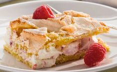 Enkel marängtårta med hallon – recept | Allas Recept Pudding Desserts, No Bake Desserts, Cake Recipes, Dessert Recipes, Swedish Recipes, Bagan, Fancy Cakes, Snacks, Creative Cakes
