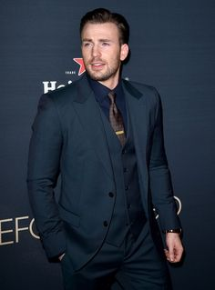 Chris Evans Cuts a Sharp Figure in Dolce & Gabbana at Before We Go Premiere