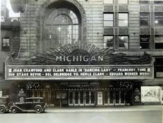 Michigan Theatre - Old photos gallery — Historic Detroit Flint Michigan, State Of Michigan, Detroit Michigan, Michigan Travel, Movie Theater, Theatre, Theater Days, Abandoned Detroit, Detroit Ruins