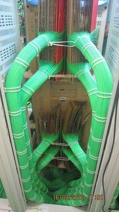 23 photos that really make every employee in IT Fotos, die wirklich jeden Mitarbeiter in der IT zufriedenstellen I mean, come on, look at this. Arduino, Network Cable, It Network, Electrical Wiring, Electrical Engineering, Electrical Symbols, Structured Cabling, Structured Wiring, The Cable Guy