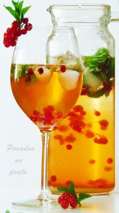 Cocktail Drinks, Fun Drinks, Alcoholic Drinks, Beverages, White Wine, Food Inspiration, Liquor, Food And Drink, Cooking