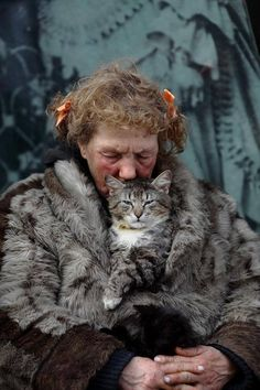 Two furry friends! Crazy Cat Lady, Crazy Cats, Animals Beautiful, Cute Animals, Cat People, Cats And Kittens, Cute Cats, Cat Lovers, Portraits