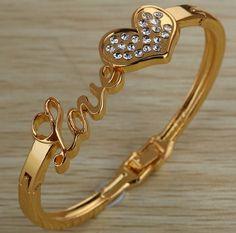 กำไลข้อมือ ทองชุบ ฝังเพชร CZ กำไลข้อมือผู้หญิง อักษร LOVE และ หัวใจ 1 ดวง ฝังเพชร ในหัวใจ ของขวัญแทนใจ สุดหรู 516852