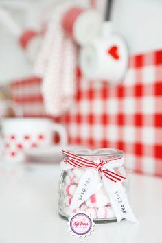 Syl loves, gingham, red, white, valentines day, vintage enamel
