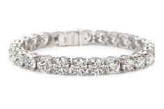Forevermark Exceptional Diamond Line Bracelet by Rahaminov featuring round brilliant-cut diamonds totaling 28.02 carats set in platinum, worn by Jennifer Garner at the 86th Annual Academy Awards.