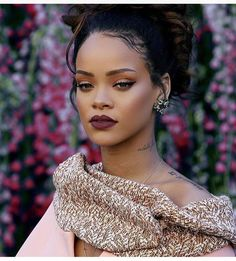 Makeup Super Style Rihanna Makeup 25 Ideen What You Should Know About Canvas Shoes Ar Rihanna Makeup, Rihanna Fenty, Prom Makeup, Hair Makeup, Style Rihanna, Afro, Beauty Makeup, Hair Beauty, Makeup Style