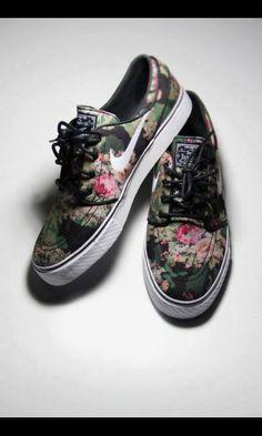 Nike, flowers