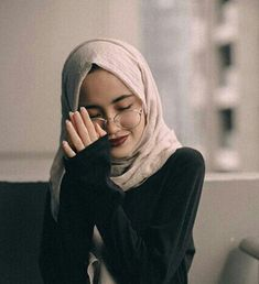 world is better with hijab ❤ Hijabi Girl, Girl Hijab, Hijab Outfit, Muslim Girls, Muslim Women, Moslem, Hijab Fashion Inspiration, Look Boho, Foto Instagram