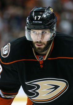 Ryan Kesler Photos: Chicago Blackhawks v Anaheim Ducks - Game Two