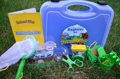 Survivingateacherssalary Review | Explorer Set | The scooper, one of my son's favorite bug scouting tools, is great for catching slower bugs like ants, spiders, roly polys and sometimes moths and grasshoppers. This set provides a lot of options for catching critters as well as keeping critters – and it's big enough that my boys can share everything too! They can each have their own cage and catching tool.