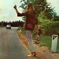 hitch hiking, bare foot and boho style...perfection!