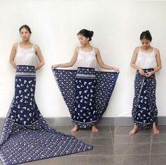 Sejauh mata memandang - Sejauh mata memandang - Best Sewing Tips Batik Fashion, Fashion Sewing, Diy Fashion, Ideias Fashion, Fashion Outfits, Fashion Beauty, Sarong Skirt, Sarong Wrap, Diy Kleidung