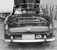 Photogriffon - Les plus belles photos d'Alain Delon - Star mondiale Alain Delon, Maserati, Bugatti, Ferrari Mondial, Wow Photo, Ferrari California, Cabriolet, Jane Fonda, Porsche 356