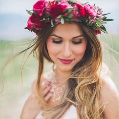 Oolala-worthy bridal look. Thank you for following! We've had so much fun running @briangavindiamonds Insta page this week! PC: @kelseaholderphoto #weddingchicks #floralcrown #bridallook #wedding