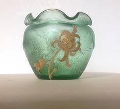 Acid etched Art Nouveau cameo vase manufactured by Legras (Mont Joye Paris) for gallery  a la Paix of Jules Mabut circa 1900.