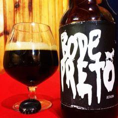 Cerveja Bode Preto, estilo Russian Imperial Stout, produzida por  Cervejaria Caseira, Brasil. 9% ABV de álcool.