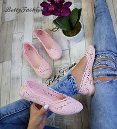 Női alkalmi cipő,strasszos díszítéssel,44,45,46 os méretek