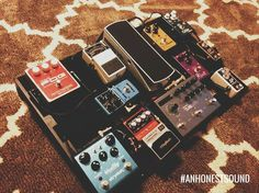 Follow @kw3hmd on Instagram: From: @anhonestsound -  Sweet board (and rug) by @aaronjlivecchi!  If you are interested in having your board featured use the hashtag #anhonestsound for the opportunity to be a future feature!  #anhonestsound #pedalboard #pedalboardfrenzy #pedaltrain #follow #worship #guitar #electricguitar #acoustic #acousticguitar #worshipguitar #praiseandworship #sundaystand #knowyourtone #tonefordays #toneheaven #cleantone #gottone #truetone #ambientnotes #gearpost #geartalk…