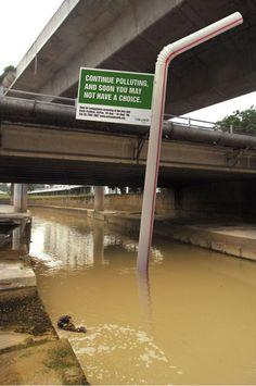 Uma maneira bem direta de alertar sobre a poluição da água não é? #PropagandaDoBem #Social #MarketingDeGuerrilha #Propaganda #Creative #TudoMKT #TudoMarketing
