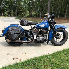 Vintage Harley Davidson, Bobbers, Choppers, Ford Mustang, Old School, Motorcycle, Vehicles, Motorbikes, Ford Mustangs