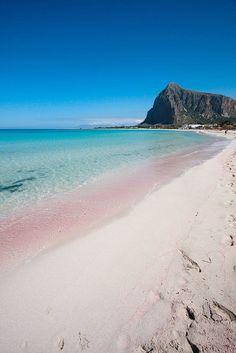 La spiaggia limpida di San Vito lo Capo. #Sicilia #beach