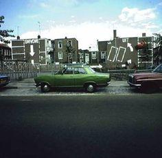 De Heemstraat met gezicht op de muurschildering van Theo van Laar op de zijgevels tussen de Van Miereveltstraat en de Snijdersstraat