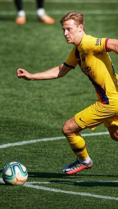 Frenkie de Jong|FC Barcelona Fc Barcelona, Messi, Football, Club, Running, Sports, Football Pictures, Backgrounds, Soccer