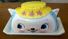 Vintage Royal Sealy Cat Covered Butter Dish Cute Smiling Blue Yellow Kitsch Porcelain Japan 1950s