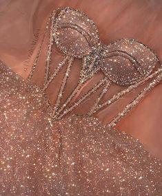 Pretty Prom Dresses, Glam Dresses, Elegant Dresses, Homecoming Dresses, Cute Dresses, Beautiful Dresses, Fashion Dresses, 80s Fashion, Bling Prom Dresses