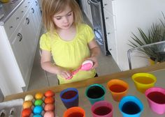 In the I dyed my hair with Kool-Aid. Last year, I dyed yarn with Kool-Aid. And this year, we& dyeing Easter eggs with Kool-Aid. Easter Egg Dye, Coloring Easter Eggs, Hoppy Easter, Easter Chick, Art Books For Kids, Holiday Crafts, Holiday Ideas, Spring Crafts, Holiday Fun