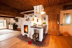 Chalet Interior, Interior And Exterior, Baba Yaga House, Fairytale Cottage, River Cottage, Space Architecture, Home Office, Beautiful Homes, Sweet Home